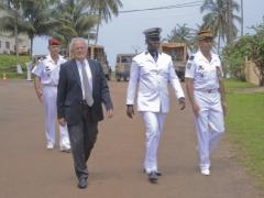 Arrivée de l'ambassadeur de France, du Préfet de la Noya et du Général commandant les troupes au Gabon